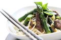 Émincé de bœuf au basilic thaï et asperges vertes
