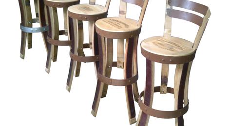 chaise de bar,chaise haute,chaise,chaise design,tabouret de bar,tabouret haut,tabouret bois,chaise bois,tabouret,mobilier bar,mobilier de cave,agencement cave à vins,décoration cave à vins,mobilier design,wine wood design,wine furniture, cellar furniture