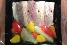 poissons fumés marinés et légumes croquant