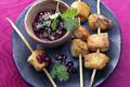Brochette de Poulet Tandoori avec Sauce de Lentilles aux Myrtilles