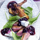 Magrets de Canard Sauvage et Salade  avec une Sauce aux Myrtilles