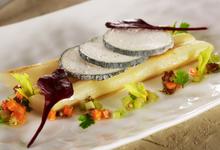 Salsifis rôtis, voile de Crottin de Chèvre Cendré Rians, sauce vierge automnale