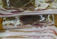 Poitrine de porc noir Gascon ½ sel en tranche