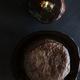 Filet de biche, tête de cèpe rôtie entière, huile de cèpe aux pignons de pin et chapelure de jambon de pays