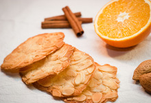Tuiles amandes-orange-canelle, biscuits craquants