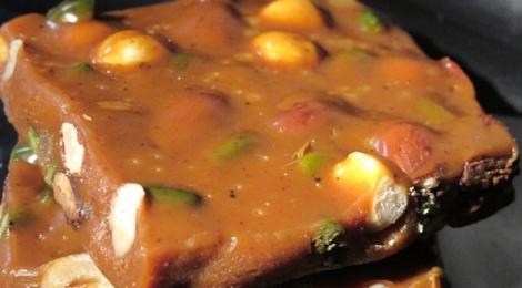 Caramel au beurre salé avec des fruits secs