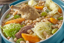 Garbure au confit de canard : soupe traditionnelle du Sud Ouest
