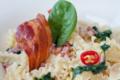 Frisettes cuites « à la fidé » aux lardons et épinards frais