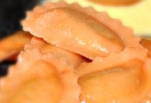 ravioli poulet rôti, moutarde à l'ancienne et romarin