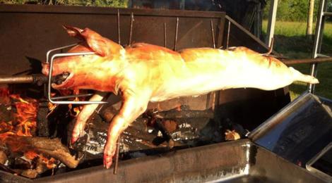 boucherie Ruffier, cochon en broche