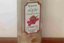 Distillerie de Nessadiou. Liqueur de litchis