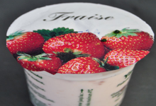Aux délices de grand mère. yaourt fermier à la fraise