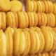 Pâtisserie Pain de Sucre. Macarons citron jaune