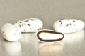 Girard Chocolatier. Dragées Amandas blanc moucheté