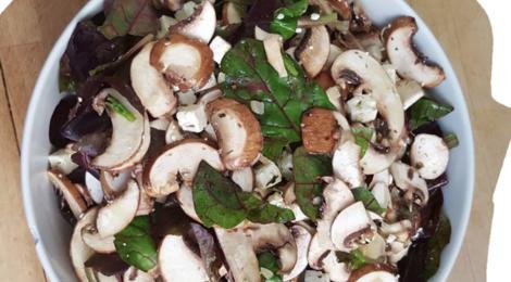 Fairrier traiteur. Salade de champignons