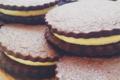du chocolat, de la crème à cheesecake, grand comme un cookie