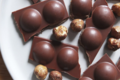 Edwart chocolatier. Tablette garnie : praliné gianduja
