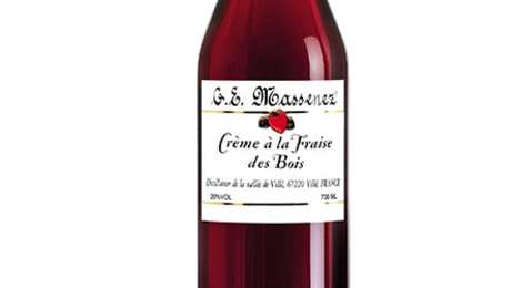 Distillerie Massenez. Crème de fraise des bois